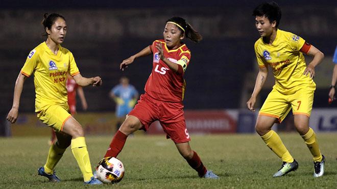 Huỳnh Như và đồng đội ở TP.HCM 1 tiến bước dài đến chức vô địch sau khi hoà Phong Phú Hà Nam 0-0 vòng 11. Ảnh: PH