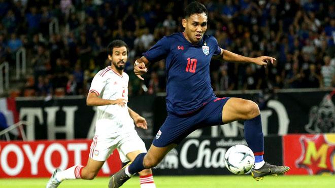 Dangda có 1 bàn thắng và 1 cú đánh đầu trúng xà ngang UAE tối 15/10