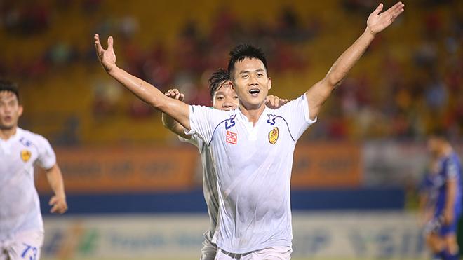 Hà Minh Tuấn tỏa sáng tối 27/10 giúp Quảng Nam vào chung kết Cúp QG 2019. Ảnh: ĐV