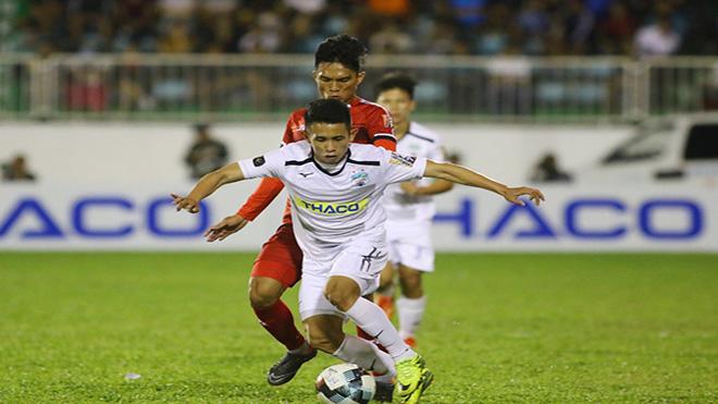 HAGL của Hồng Duy đã trụ hạng sau chiến thắng 2-1 trên sân TP.HCM tối 19-10. Ảnh: VPF