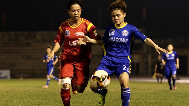 Than khoáng sản Việt Nam (xanh) hoà 0-0 trước ĐKVĐ TP.HCM 1 ở vòng cuối. Ảnh: PH