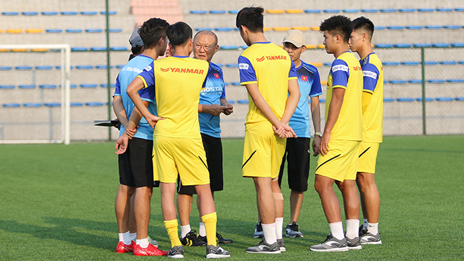 HLV Park Hang Seo không thể dẫn dắt U22 Việt Nam đấu U22 UAE tối 13-10 tới. Ảnh: Thành Đạt