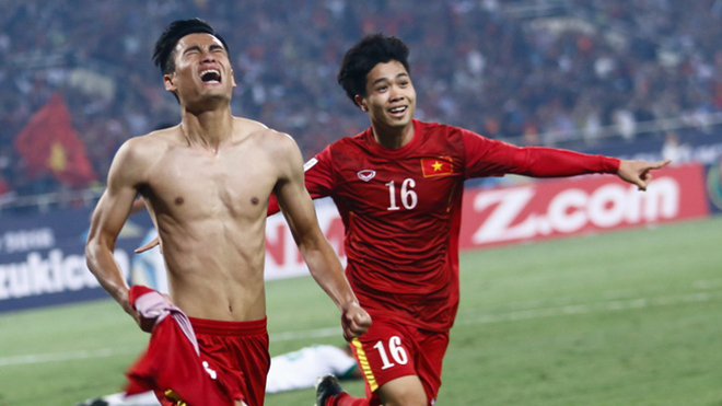 Vũ Minh Tuấn ăn mừng bàn thắng cảm xúc nhất sự nghiệp vào lưới Indonesia năm 2016. Ảnh: Thanh Hà