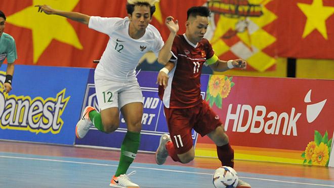 Đội trưởng Văn Vũ bỏ qua cơ hội giúp Việt Nam đánh bại Indonesia tối 22-10