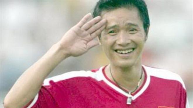 Pha ăn mừng đã đi vào huyền thoại của huyền thoại sống Hồng Sơn vào lưới Indonesia năm 1999 khiến nhiều CĐV Việt Nam sởn da gà. Ảnh: Internet