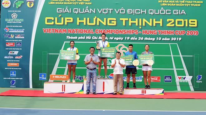 Tay vợt người Pháp gốc Việt nhận HCV đơn nữ. Ảnh: TT