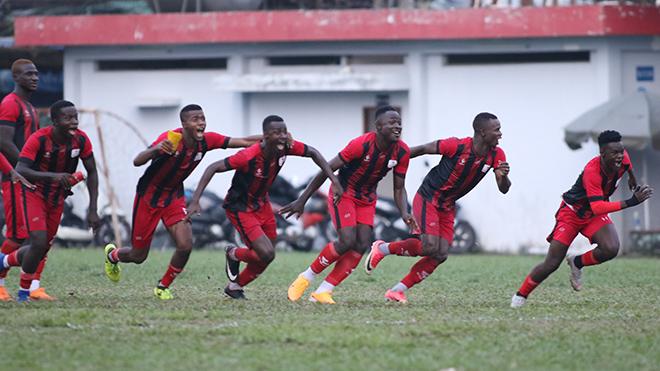 Đội bóng châu Phi tỏ ra bản lĩnh hơn để đánh bại đối thủ ở loạt luân lưu và có vé vào chung kết. Ảnh: Hoàng Tùng