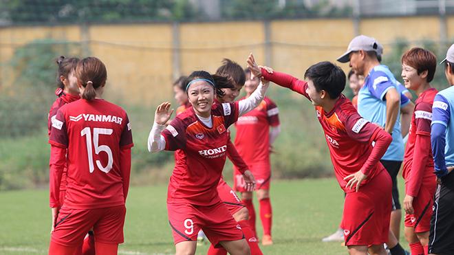 Đội trưởng Huỳnh Như rạng rỡ cho biết đã sẵn sàng cho mục tiêu bảo vệ HCV SEA Games. Ảnh: HT