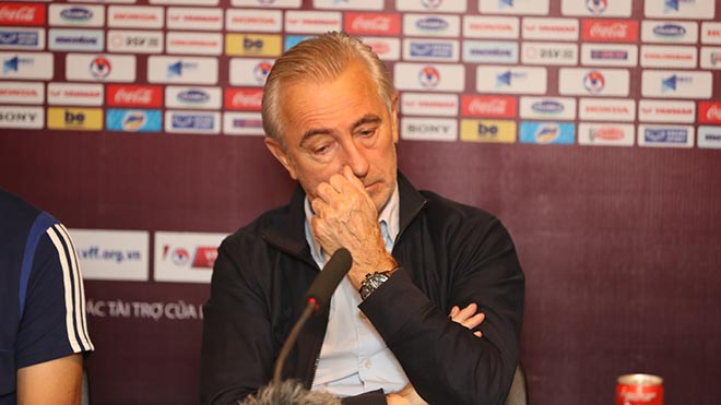 Chiến lược gia Marwijk từng đưa Hà Lan đến chung kết World Cup 2010 là nạn nhân mới nhất của thầy Park. Ảnh: Hoàng Linh