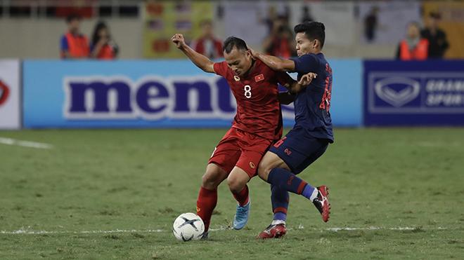 Trọng Hoàng cũng không thể thi đấu với Malaysia tháng 3/2020 vì đã đủ 2 thẻ vàng. Ảnh: Hoàng Linh