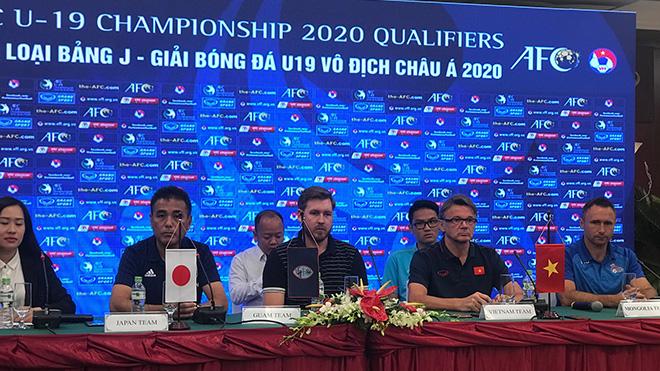 Các HLV 4 đội tuyển dự họp báo trước vòng loại U19 châu Á 2020 trưa 5-11 tại TPHCM