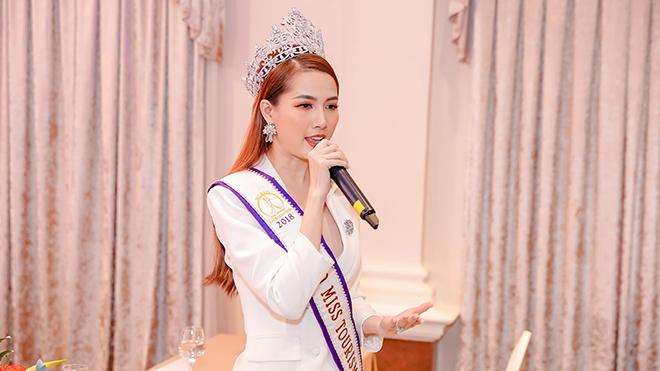 """Hoa hậu Phan Thị Mơ làm """"nóng"""" giải đấu năm nay. Ảnh: BM"""