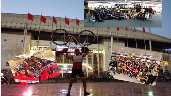CĐV Thái Lan này đã đạp xe cả tuần lễ để đến Việt Nam cổ vũ đội nhà tối 19/11 tới. Ảnh: Daily News