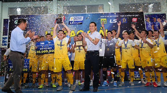 Tuyển futsal Việt Nam thu nhỏ thất bại ở giải futsal TPHCM mở rộng