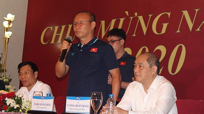 HLV Park Hang Seo cam kết cùng các học trò nỗ lực hết mình ở VCK U23 châu Á 2020. Ảnh: LH