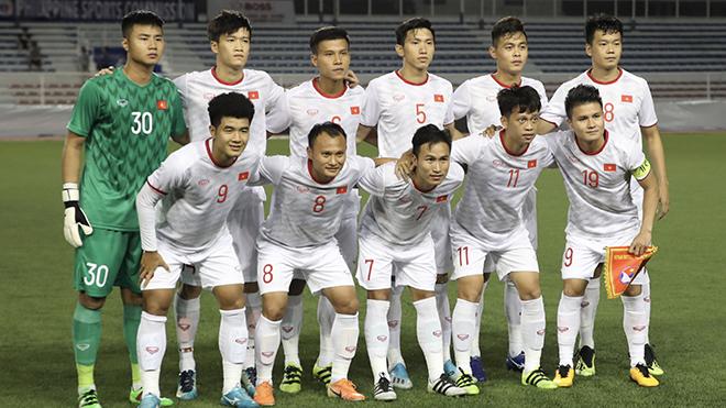 Việt Hưng (số 7) và Thanh Sơn (11) nhạt nhoà trong màu áo U22 Việt Nam vô địch SEA Games 30. Ảnh: Hoàng Linh