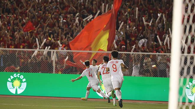 Tuy nhiên Hùng Dũng đang nổi trội nhất ở hạng mục Quả bóng vàng nam 2019. Ảnh: Hoàng Linh