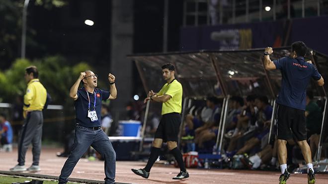 HLV Park Hang Seo chính là công thức chiến thắng của bóng đá nước nhà hơn 2 năm qua. Ảnh: Hoàng Linh