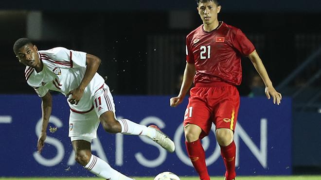 Đình Trọng trở lại giúp U23 Việt Nam có hàng thủ cứng cáp hơn. Ảnh: Hoàng Linh