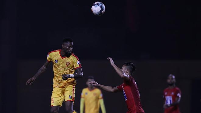 Samson là sát thủ số 1 của V-League hiện tại. Ảnh: VPF