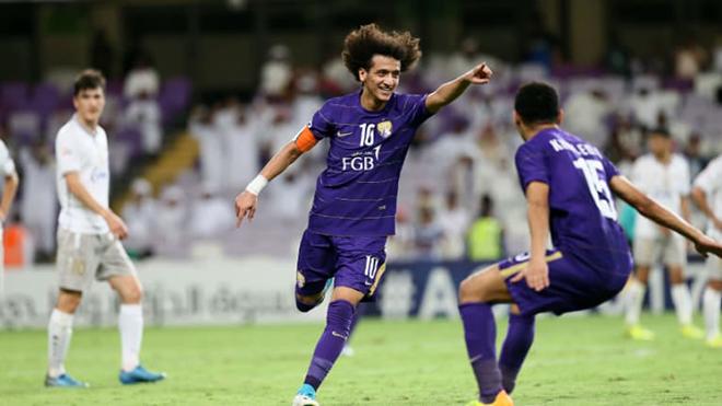 Tiền vệ với mái tóc xù Omar luôn là một trong những ngôi sao tài hoa bậc nhất châu Á