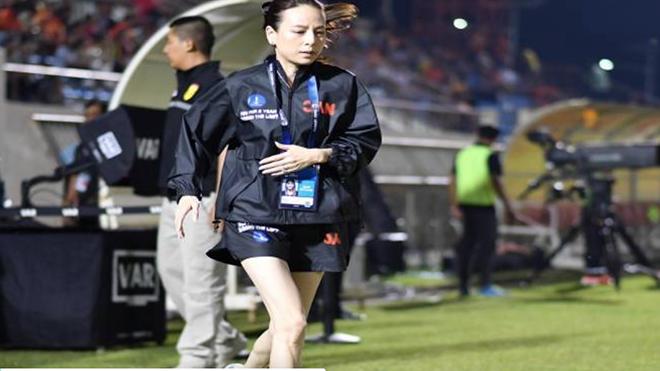 Nữ tướng bóng đá yêu cầu cầu thủ giúp đỡ cộng đồng