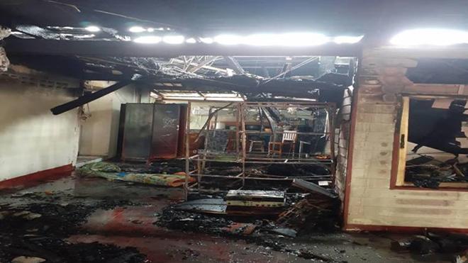 Căn nhà của gia đình Pimsiri bị thiêu rụi