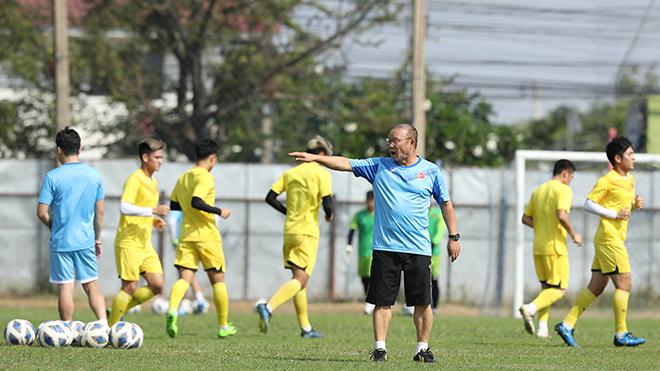 Thầy trò HLV Park Hang Seo chịu áp lực cuối năm 2020