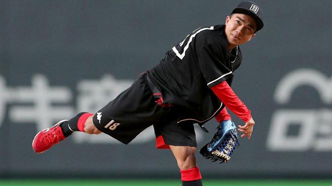 Chanathip có vinh dự ném bóng chày khai mạc giải đấu ở tỉnh Sapporo
