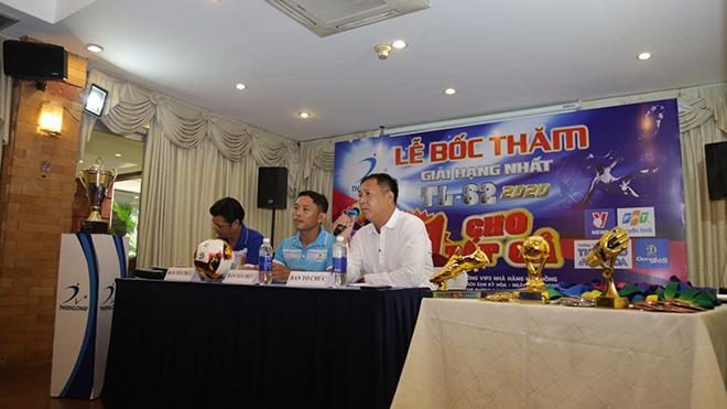 BTC giải đấu công bố thông tin về giải sáng 27/5 tại TPHCM. Ảnh: Đình Viên