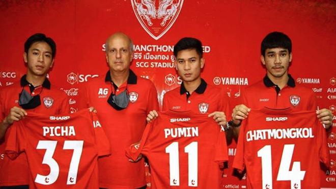 Đội bóng có lượng CĐV đông đảo bậc nhất Thái Lan vừa ra mắt 3 tân binh rất trẻ. Ảnh: Muangthong United