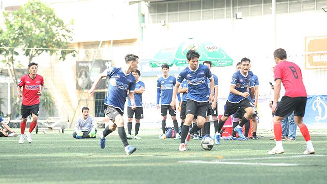 Một pha tấn công nhanh của TTXVN trong trận thắng 7-2 trước ứng viên hàng đầu cho chức vô địch HTV. Ảnh: Quang Châu