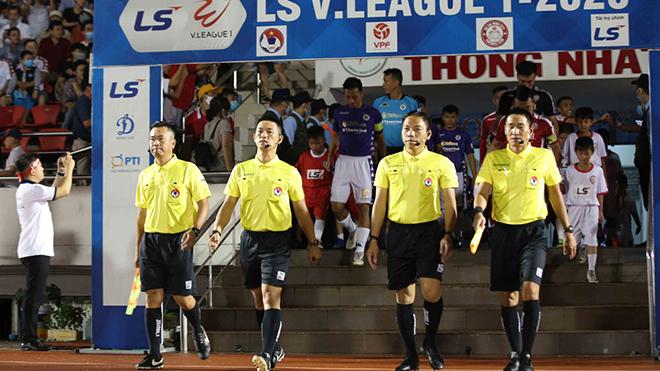 bóng đá Việt Nam, tin tức bóng đá, bong da, tin bong da, TPHCM, Công Phượng, trọng tài Trần Văn Trọng, V League, BXH V League, lịch thi đấu vòng 12 V League