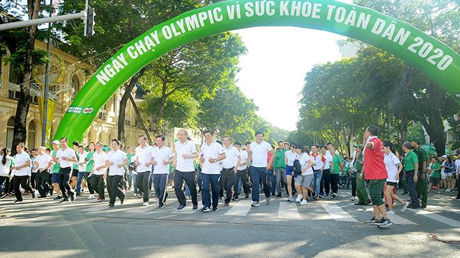 Ngày chạy Olympic Vì sức khoẻ toàn dân thu hút sự quan tâm lớn của người dân thành phố. Ảnh: Quốc Thanh