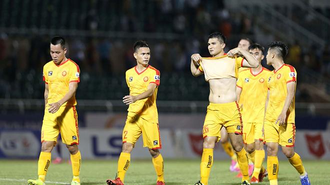 """Thanh Hoá thua """"trắng bụng"""" với tỷ số 0-3 chỉ trong 1 tuần trước SHB Đà Nẵng và Sài Gòn. Ảnh: VPF"""