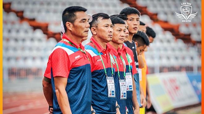 Sau HLV Minh Phương, HLV Hữu Đang đã không còn giữ chức HLV trưởng ở XSKT Cần Thơ. Ảnh: CTF