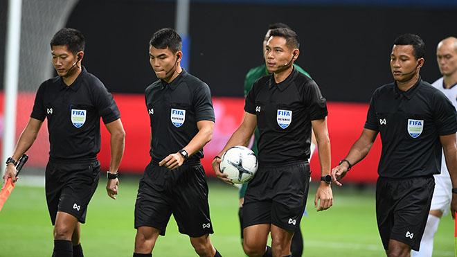 Dù nền bóng đá kiếm được nhiều tiền nhưng các trọng tài Thái Lan không có chế độ cao như nhiều người nghĩ