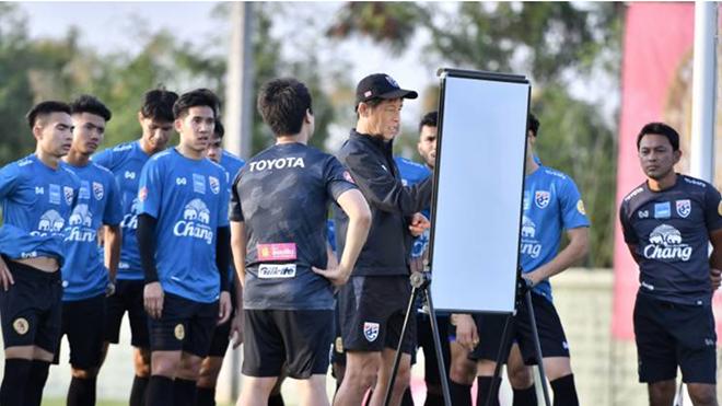 Bunmathan tin tưởng với nhiều cầu thủ sang Nhật Bản chơi bóng sẽ giúp Thái Lan có mặt ở World Cup tương lai gần
