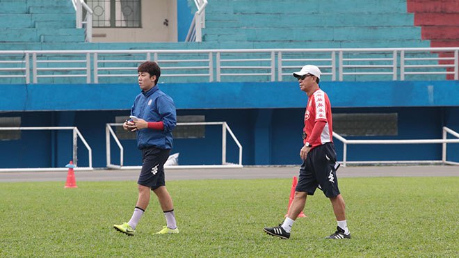 bóng đá Việt Nam, tin tức bóng đá, bong da, tin bong da, TPHCM, HLV Chung Hae Seong, Công Phượng, V League, BXH V League, kết quả bóng đá V League, kết quả bóng đá