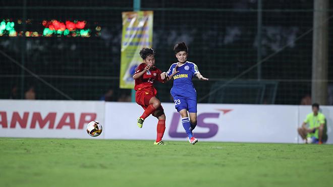 Than khoáng sản Việt Nam (xanh) đang là 1 trong 3 CLB cùng dẫn đầu bảng năm nay sau 2 lượt đấu. Ảnh: VFF