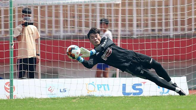 bóng đá Việt Nam, tin tức bóng đá, bong da, tin bong da, Bùi Tiến Dũng, thủ môn Bùi Tiến Dũng, CLB TPHCM, V League, kết quả bóng đá hôm nay, BXH V League