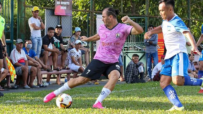 Huỳnh Kesley vẫn quá đẳng cấp ở sân chơi phong trào. Ảnh: TL