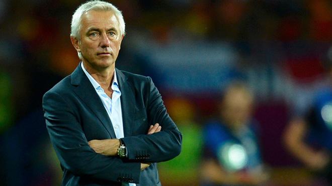 HLV Marwijk tiếp tục gắn bó với UAE là tin mừng cho người Thái Lan