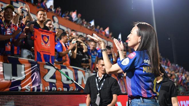 Bà đã giúp Port FC đi vào lịch sử CLB khi dự AFC Champions League 2021. Ảnh: Madam Pang