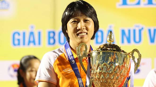 HLV Kim Chi thực sự là cô gái vàng của bóng đá nữ TP.HCM nói riêng và Việt Nam nói chung. Ảnh: AP