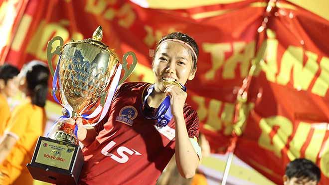 Danh hiệu xuất sắc nhất giải năm nay hứa hẹn sẽ giúp Huỳnh Như có Quả bóng vàng Việt Nam 2020. Ảnh: AP