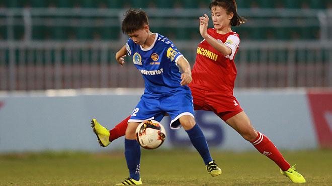 Than khoáng sản Việt Nam (xanh) xếp thứ 3 với 22 điểm sau trận thắng Thái Nguyên T&T vòng 12. Ảnh: AP