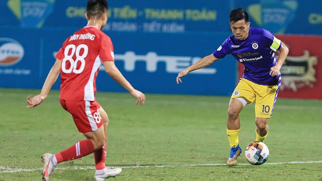 Văn Quyết và Quang Hải của Hà Nội FC sẽ đua tranh Quả bóng vàng Việt Nam 2020 cùng các cầu thủ Viettel. Ảnh: VPF