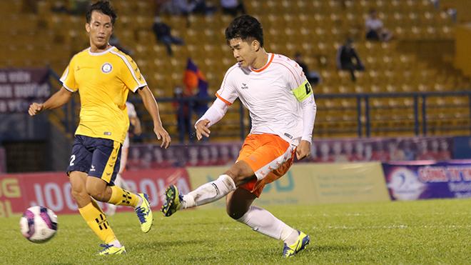 Đức Chinh đã có 1 bàn thắng và 1 kiến tạo ở chiến thắng của SHB Đà Nẵng ngày đầu năm mới 2021 trước Khánh Hoà. Ảnh: TL