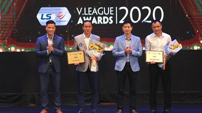 SLNA của HLV Quang Trường nhận giải phong cách năm ngoái. Ảnh: VPF